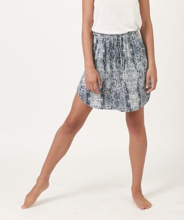 חצאית במבוק